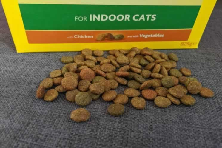 Indoor cat dry biscuits